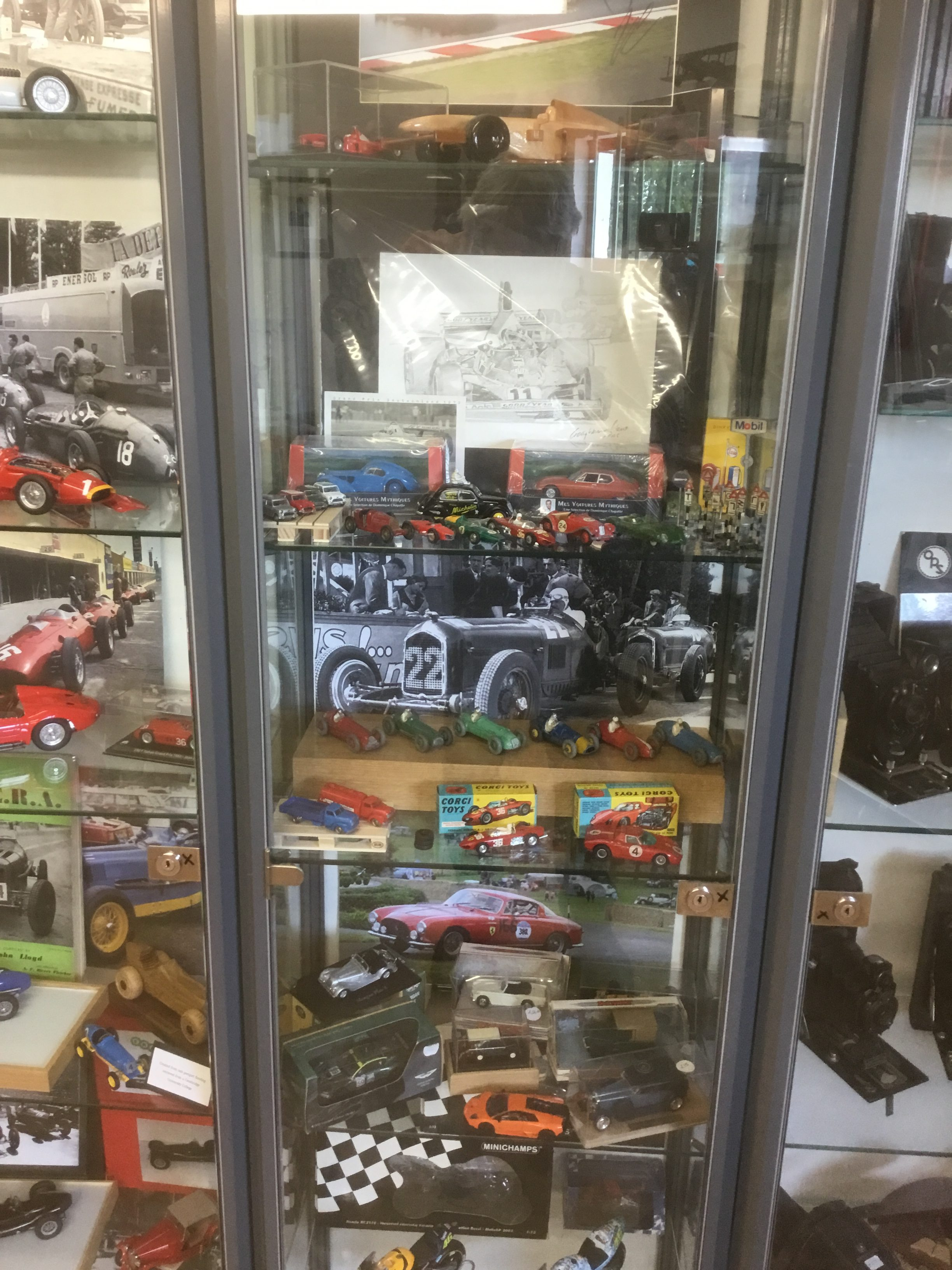 More classic model cars